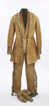 Full Métis dress leather; their clothing was greatly inspired by the clothing of the French-Canadian fur traders. They either used tanned animal skins, such as deerskins or moose hide, or they used cloth they had acquired through trade with the Europeans.