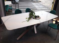 Tavolo pininfarina ~ Tavolo shangai base metacrilato riflessi tavoli da pranzo