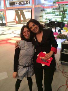 Isabel Gemio con una afectada en el #Telemaratón solidario por las #enfermedadesraras