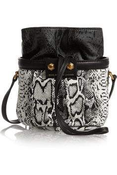 Bucket bag: new must have! http://www.agoprime.it/bucket-bag-fall-2014-must-have/