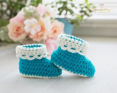 Ok, how cute are these little booties???  Even more adorable, it's finished with a lace trim at the cuff!  Eeek!  Would you like to make these too?  OK!  You'll find my tutorial below!  Materials Lightweight Baby Yarn in cream color and bright teal. Crochet Hook size G (4.00MM) Shoe Sole Round 1:  Using cream or teal color …