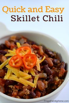 Lower Excess Fat Rooster Recipes That Basically Prime An Easy Chili Recipe The Is Prepared In The Skillet. It tends to Be Made With Ground Beef Or Make It Vegetarian Either Way Its A Simple, Easy And Inexpensive Dinner. Your Family Is Sure To Love It. Best Chili Recipe, Chili Recipes, Soup Recipes, Healthy Recipes, Delicious Recipes, Healthy Food, Easy To Make Dinners, Easy Dinner Recipes, Easy Meals
