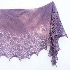 Nigella is the second design of the Hidden Flowers Collection. The pattern offers two versions: all over lace and stockinette body, with written and charted instructions.
