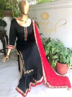 19 best Ideas for how to wear booties with a dress all black Desi Wedding Dresses, Wedding Suits, Indian Party Wear, Indian Wear, Indian Suits, Indian Dresses, Black And Red Suit, Kurti Sleeves Design, Beautiful Suit