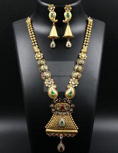 Gold Jewelry Making Gold Mangalsutra Designs, Gold Jewellery Design, Gold Jewelry, India Jewelry, Tiffany Jewelry, Bridal Jewellery Inspiration, Wedding Jewelry, Gold Set, Necklace Set