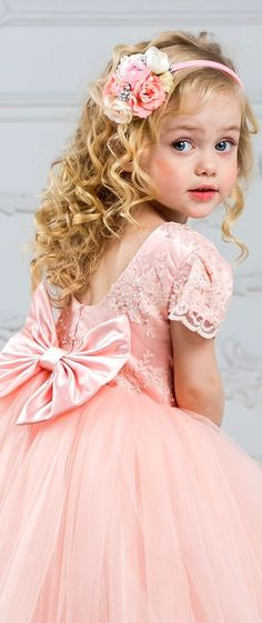 Beautiful Little Girls, Beautiful Children, Beautiful Babies, Cute Kids, Cute Babies, Cute Baby Girl Pictures, Butterfly Kids, Pretty Pastel, Child Models