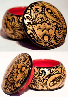 Шкатулочка для украшений с росписью под хохлому