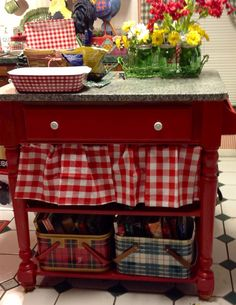 Trendy kitchen table makeover red butcher blocks 65 ideas Trendy kitchen t Red Kitchen, Vintage Kitchen, Kitchen Decor, Kitchen Island, Island Table, Kitchen Ideas, Cozinha Shabby Chic, Kitchen Table Makeover, Red Cottage