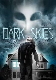Dark Skies - A couple has trouble convincing friends and neighbors that an alien is entering their house each night to terrorize their children. Horror Posters, Horror Films, Movie Posters, Sky Hd, In And Out Movie, English Movies, Close My Eyes, Movie Wallpapers, Dark Skies