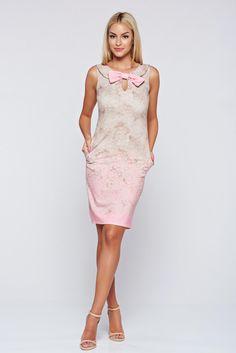 Comanda online, Rochie eleganta fara maneci Fofy rosa accesorizata cu o fundita. Articole masurate, calitate garantata!