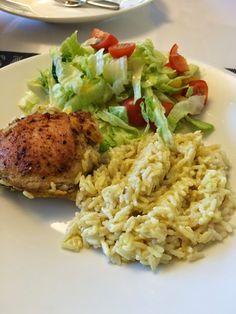 Voita ja Suolaa: Smetanariisiä ja broileria Risotto, Grains, Curry, Food And Drink, Ethnic Recipes, Curries, Seeds, Korn