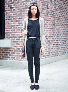casual black + natural tones - for more inspiration visit http://pinterest.com/franpestel/boards/