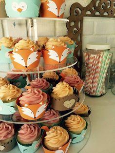 Woodland creatures cupcakes, fox, owl, hedgehog, one year old birthday ideas, birthday party, mint peach gold