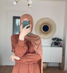 Hijab Chic, Stylish Hijab, Modest Fashion Hijab, Modern Hijab Fashion, Street Hijab Fashion, Hijab Fashion Inspiration, Korean Street Fashion, Muslim Fashion, Arab Girls Hijab