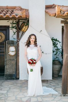 For those of you deep in the throes of planning your own rustic wedding, #Crete might be the number one wedding destination to consider. With its lush greens and abundance of traditional locations the island is truly a feast in so many beautiful and unique ways! #rusticwedding #weddingdestination #realwedding #cretewithin #weddinginCrete