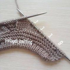The construction stages of the baby boy cardigan are explained on our website … – Baby knitting patterns Baby Boy Cardigan, Cardigan Bebe, Knitted Baby Cardigan, Baby Pullover, Baby Knitting Patterns, Knitting Stitches, Free Knitting, Garter Stitch, Baby Sweaters