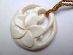 Hawaii Jewelry Flower Buffalo Bone Carved Pendant Necklace/Choker # 35369 - Before After DIY Bone Jewelry, Ceramic Jewelry, Wooden Jewelry, Jewelry Art, Wooden Necklace, Chip Carving, Bone Carving, Pendant Jewelry, Pendant Necklace