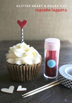 diy wedding cupcake topper idea using washi tape and glitter. tutorial at weddingcupcakes.org