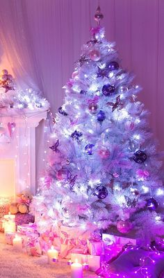 Purple tree wallpaper 56 new ideas Purple Christmas, Christmas Mood, Noel Christmas, Beautiful Christmas, Christmas Lights, Christmas Decorations, Winter Wallpaper Desktop, Holiday Wallpaper, Desktop Backgrounds
