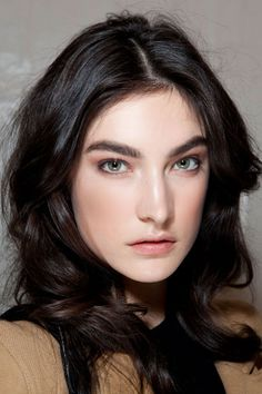 Fall 2012 Makeup Trends | strong defined brows #makeup