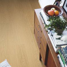 Pergo Premium Click Modern Plank Vinyl Wooden Flooring per pack) - Light Village Oak Types Of Wood Flooring, Solid Wood Flooring, Vinyl Flooring, Color Ceniza, Cork Wood, Honfleur, Italian Tiles, Tile Manufacturers, Different Types Of Wood