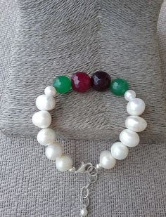Freshwater pearl, created  ruby and emerald green agate bracelet, Handcrafted bracelet from Spain, statement bracelet, gift for her