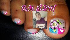 La imagen puede contener: una o varias personas y primer plano Cute Pedicure Designs, Cute Pedicures, Manicures, Nails, Nail Art, Diana, Instagram Posts, Victoria, Finger Nails