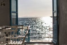 Le Caprice (restaurant) in Mykonos, Greece Places To Travel, Places To See, Travel Destinations, Bonheur Simple, Sendai, Photos Voyages, Am Meer, Greek Islands, Coastal Living