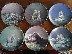sadun totuus arabian sarja. Minulla on nro 2 jo,muut haluaisin vielä <3 (max 15€ kappale) Decorative Plates, Porcelain, Vintage, Home Decor, Porcelain Ceramics, Decoration Home, Room Decor, Vintage Comics, Home Interior Design