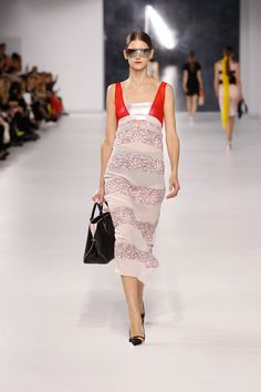 Christian Dior Resort 2014 - Review - Fashion Week - Runway, Fashion Shows and Collections - Vogue - Vogue