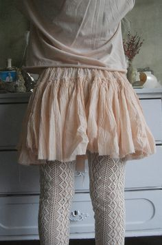 Rose poudré. I just adore this entire look and the pale pastels/neutrals! Esther!!!