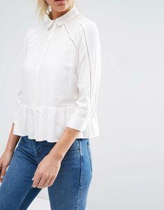 Blusa de sarga suave con aplicación de encaje de ASOS