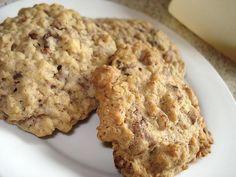 """Disse cookies er fra Amos """"Den Store Bagebog 3: Året Rundt"""". Officielt hedder de 'julecookies', men jeg har valgt et lidt mere sigende navn ;) Der er efter min mening ikke s…"""