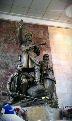 Partizanskaya metro station #friendlylocalguides #thingstodomoscow #moscowmetro #moscowsubway Moscow Metro, Metro Station, Buddha, Greek, Statue, Greek Language, Sculpture, Sculptures