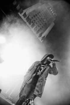 Musician Mike Shinoda of Linkin Park performs at Identity LA 2018 at Los Angeles Grand Park on May 2018 in Los Angeles, California. Get premium, high resolution news photos at Getty Images Fort Minor, Linking Park, First Rapper, Linkin Park Chester, Dope Wallpapers, Mike Shinoda, Chester Bennington, Cute Love, Identity