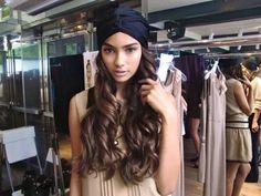maybe I'll keep my long hair. this turban makes long hair look lovely. Bad Hair Day, My Hair, Curly Hair Styles, Natural Hair Styles, Head Scarf Styles, Turban Style, Estilo Fashion, Scarf Hairstyles, Black Hairstyles