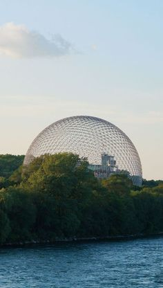 I always thought the Biosphere was a huge glass dome and in Montreal. Finally, I got to go inside the dome and see what it actually is! Science museum review Montreal Quebec.