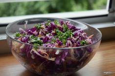 7 salate delicioase cu varza. Salate vegane pentru slabit sanatos – Sfaturi de nutritie si retete culinare sanatoase Cabbage, Vegetables, Parenting, Food, Salads, Essen, Cabbages, Vegetable Recipes, Meals