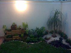 Pequeño huerto en el jardín