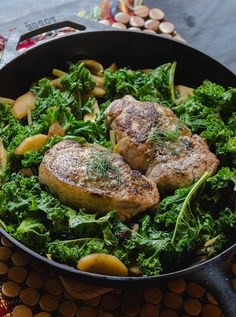 One-Skillet Pork Chops With Apples, Fennel and Kale // soletshangout.com #glutenfree #paleo #oneskillet #porkchops #primal