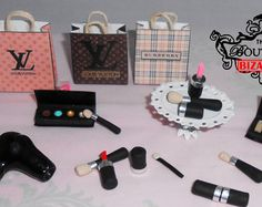 Lps Accessories, Barbie Doll Accessories, Doll Toys, Barbie Dolls, Barbies Pics, Hello Kitty Toys, Mini Makeup, Mini Craft, Mini Stuff