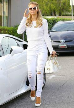 Paris Hilton wearing FRAME DENIM Le Skinny de Jeanne Ripped Blanc Low-rise skinny jeans Vince Rib Raglan Sweater