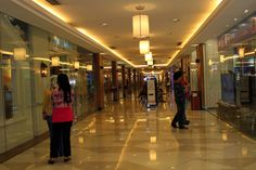 Mall Hallway Free Stock Photo HD - Public Domain Pictures