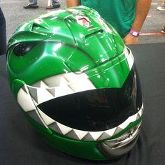 Omg I want a helmet to look like the yellow rangers helmet !!! Epic!