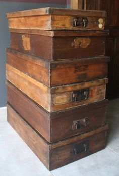Home Decor Objects Ideas & Inspiration : A collection of vintage wood boxes from an old haberdashery – Le Beau Est Mien Old Wooden Boxes, Old Boxes, Antique Boxes, Wooden Crates, Antique Wood, Vintage Trunks, Vintage Box, Vintage Crates, Vintage Stuff