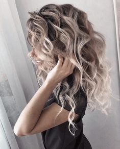 Love these curls! & her hair color! Hair Color And Cut, Hair Colour, Pretty Hairstyles, Hairstyle Ideas, Big Hairstyles, Female Hairstyles, Great Hair, Hair Looks, Dyed Hair