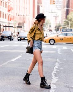 summer outfits with doc martens best outfits Style Outfits, Casual Fall Outfits, Mode Outfits, Short Outfits, Fashion Outfits, Womens Fashion, Grunge Outfits, Trendy Outfits, Fashion Ideas