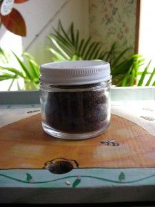 Bee Propolis an amazing natural antibiotic! Bee Propolis, Natural Antibiotics, Bee Keeping, Being Used, Benefit, Natural Beauty, Bee Products, Planter Pots, Honey