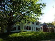 OldHouses.com - 1768 Farmhouse - Quintessential New England Colonial w/attached barns in Bedford, New Hampshire