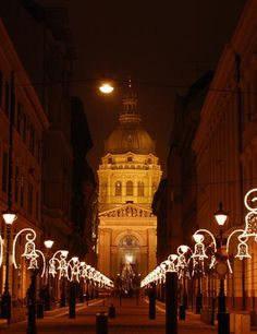 Budapest is at the top of my list for next Thanksgiving. More Christmas markets!
